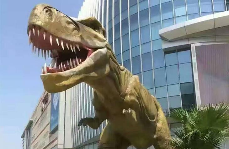 恐龙主题雕塑